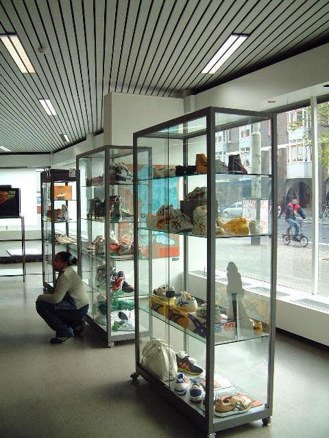 Sneaker expo2_2005