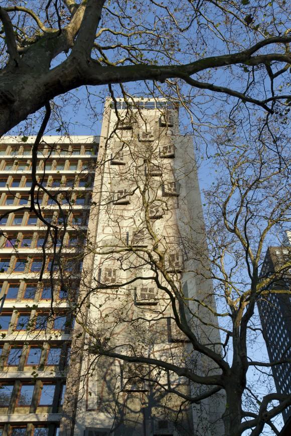 2. Central Post gebouw - foto Christian van der Kooy