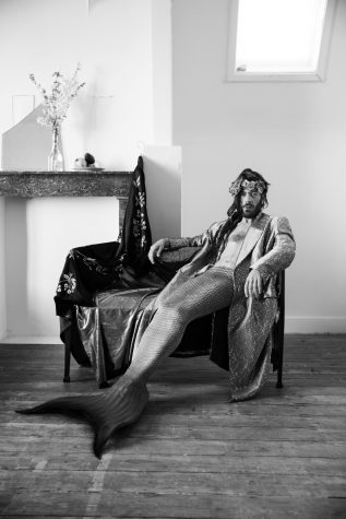 César-Segarra-Photographs-for-the-book-Merman-2016-LR-317x475
