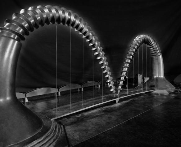 Claes Oldenburg Screwarch Bridge, 1980-1981 photo Jannes Linders - Collection Boijmans Van Beuningen