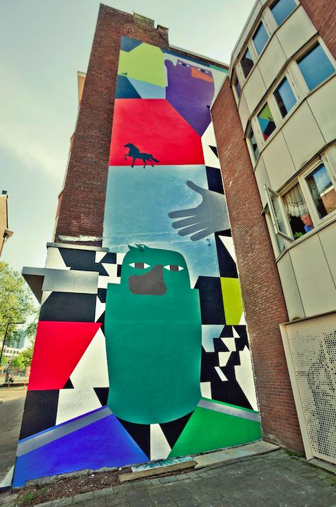 foto: Otto Snoek. Muurschildering van Anuli Croon in de Zwartepaardenstraat